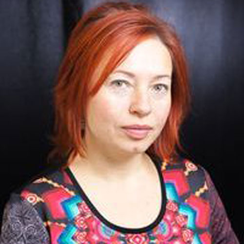 Angie Grnja Bažová